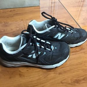 New Balance WL493BR Walking Athletic Shoes